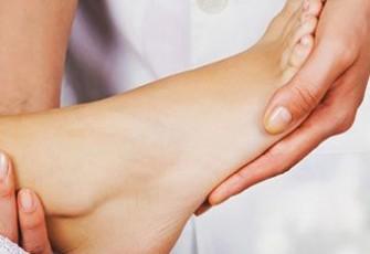 Почему болит колено после эндопротезирования тазобедренного сустава