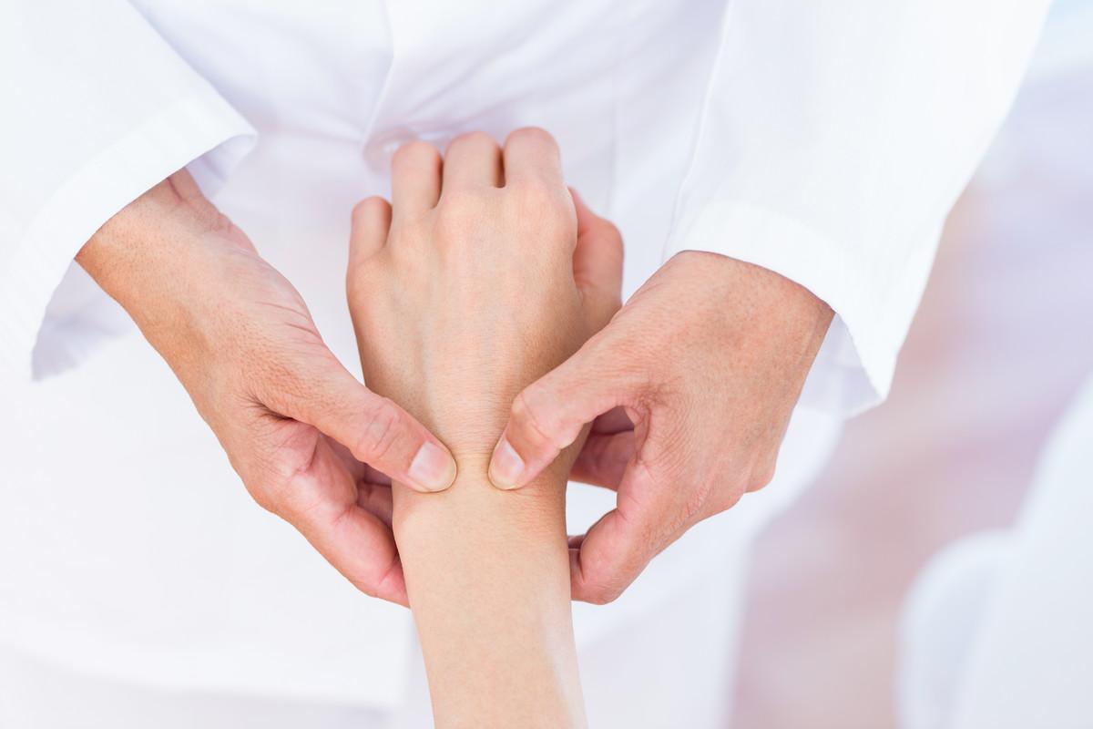 Как выявить и лечить стилоидит лучезапястного сустава